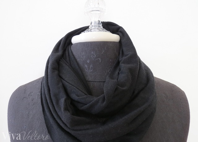 5 minute no-sew infinity scarf
