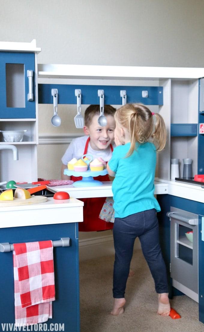 Step2 Grand Walk In Wood Kitchen For Kids Review Viva Veltoro