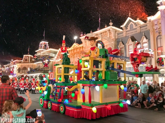 Disney Christmas Parade.7 Things To Know About Mickey S Very Merry Christmas Party